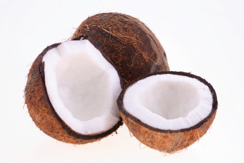 Kokoswasser enthält natürlichen Zucker in Form von Glukose.