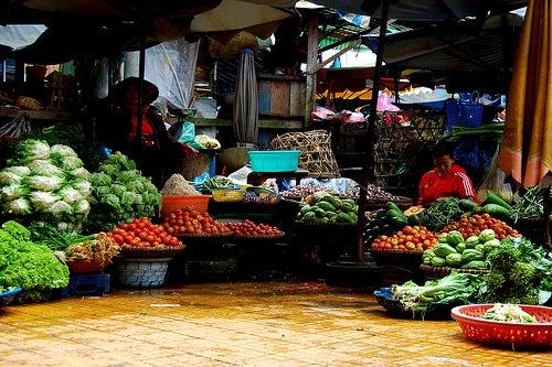 Neben der Tatsache, dass wir weniger ausgeben, garantieren wir durch kleinere Einkäufe, dass das Gemüse immer frisch ist.  (Foto: NguyenDT / Flickr.com)
