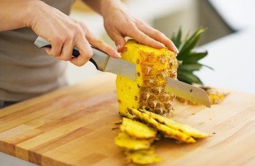 Ananas zur Entgiftung und zum Abnehmen