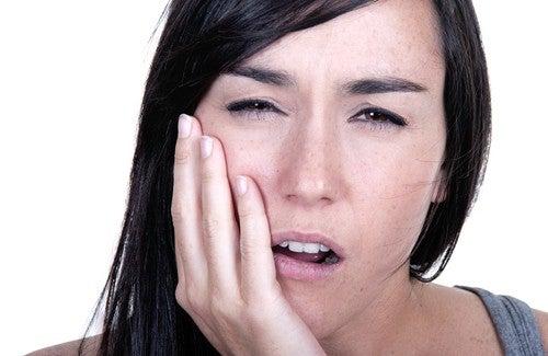 Zahnschmerzen natürlich behandeln