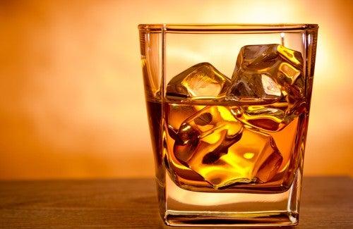 Wie Alkohol das Gehirn schädigt