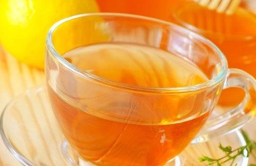 Weißer Tee kann beim Abnehmen helfen