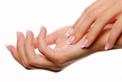 Warum sind besonders Frauen von Schmerzen in den Händen betroffen?