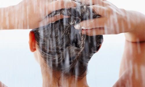 Natürliche Haarspülungen