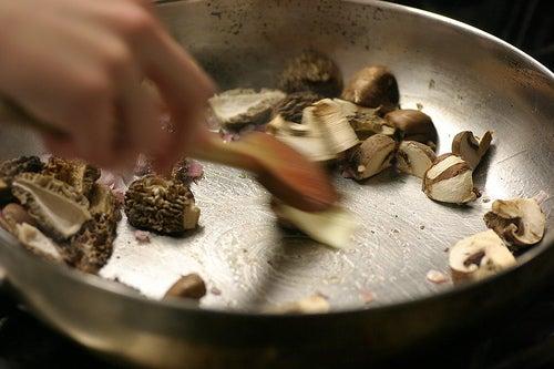 Giftstoffe in der Küche: Teflonpfannen