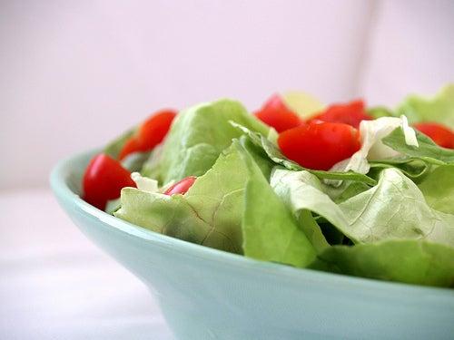 Hausmittel gegen Akne: vorteilhafte Nahrungsmittel
