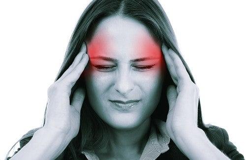 Natürliche Säfte gegen Kopfschmerzen