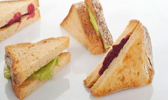 Avokado-Rote-Beete-Sandwich