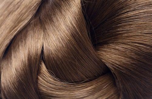 4 natürliche Mittel für starkes Haar