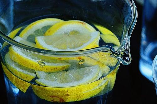 Sehnenentzündungen natürlich behandeln mit Zitrone