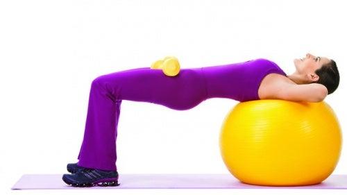 Übungen-mit-dem-Ball