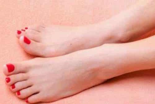 Vorbeugung und Behandlung von Fußpilz