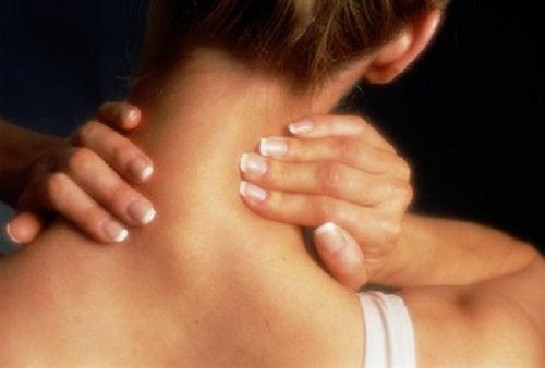 Nacken-schmerzen