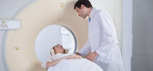 Diagnose von einem Aneurysma im Gehirn