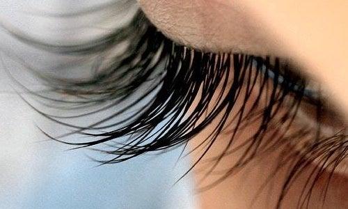 Rezepte der Natur für längere Wimpern