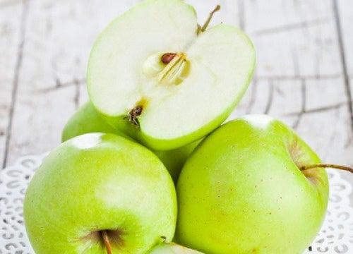 grüne Äpfel auf nüchternen magen - besser gesund leben, Hause ideen
