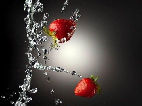 erdbeeren-wasser