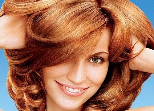 Natürliche Behandlungen für gefärbtes Haar