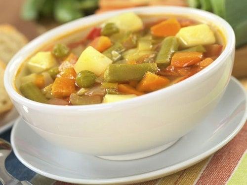 Köstliche Gemüsesuppen: einfache Rezepte