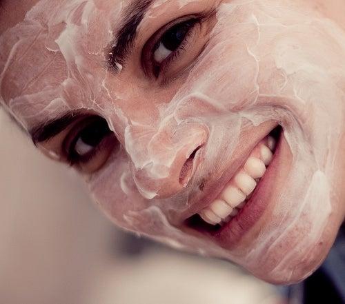 Maske und Gesundheit der Haut