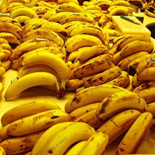 leckerer Bananenkuchen mit überreifen Bananen