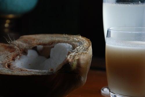 Kokosmilch gegen Gesichtsflecken