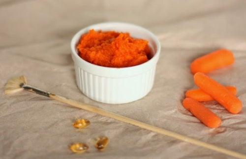 Karottengesichtsmaske