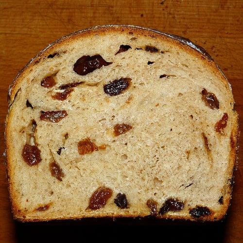 Brot mit Rosinen