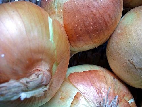 Zwiebel gegen Hautflecken