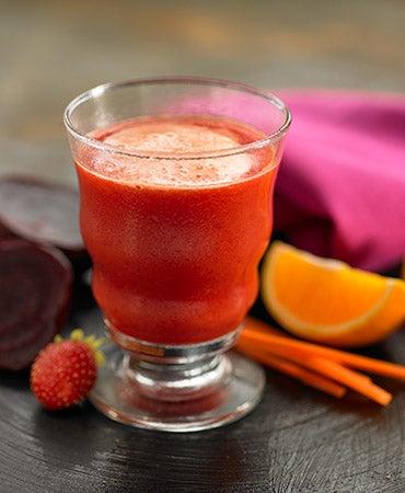 karotten-erdbeer-rotebeeten-saft