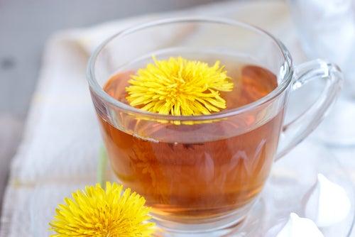 Tee aus Löwenzahn