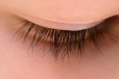Hausmittel für schöne Wimpern