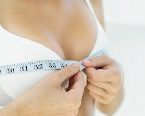 9 Übungen zur Bruststraffung