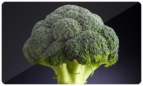 Brokkoli und Tomate gesunde Nahrungsmittelkombinationen