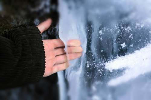 Kalte Hände, kalte Füße: Warum ist das so und was tun dagegen?