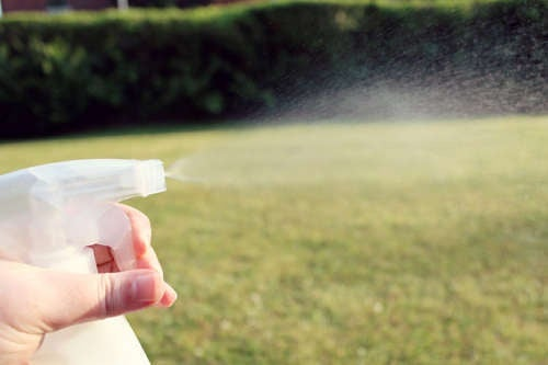 Sparsamer-Gebrauch-von-Spray