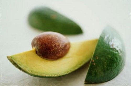 9 Gründe, warum du den Avocadokern verzehren solltest