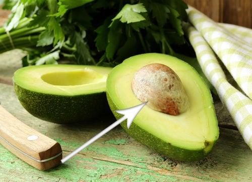 Avocadokern essen unterstützt auch die Diät