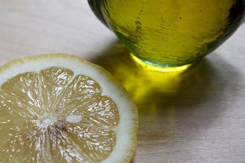 Olivenöl mit Zitronensaft