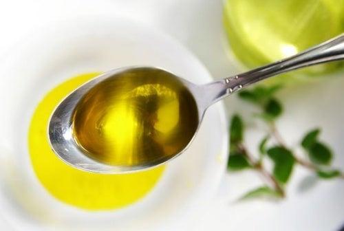 Ein Löffel Olivenöl