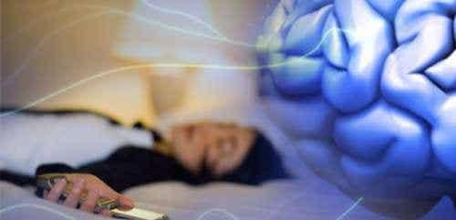 Handy griffbereit auf dem Nachtkästchen - ist das gesund?