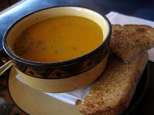 Karottencremesuppe-Chris-Campbell-500x375