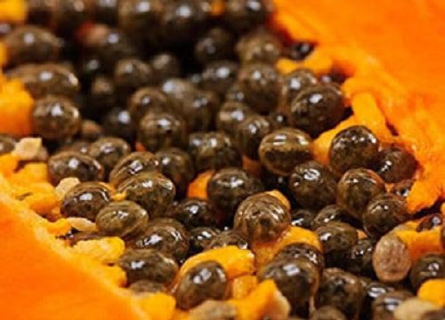5 außerordentliche Eigenschaften der Papayasamen