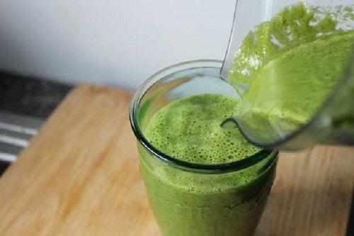 Was ist grüner Saft, um Gewicht zu verlieren