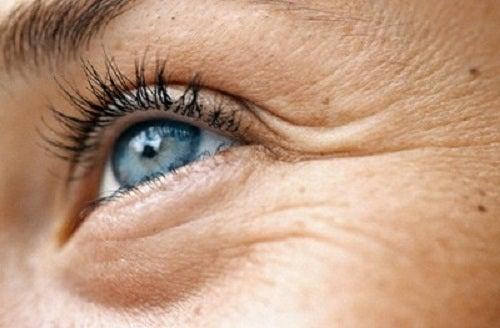 Nahrungsmittel zur Vorsorge gegen Augenfalten
