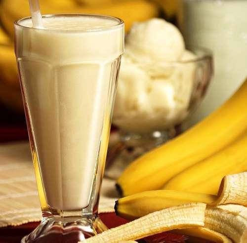 wie-macht-man-einen-bananenshake