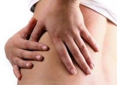 Gründe-für-Bauchschmerzen-an-der-linken-Seite