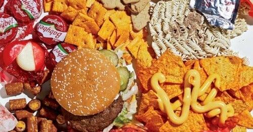 Tipps gegen Doppelkinn: verzichte auf Fast-Food