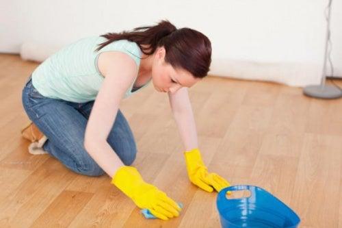 Fussbodenpflege mit natürlichen Mitteln