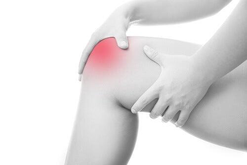 12 natürliche Hausmittel gegen Gelenkschmerzen
